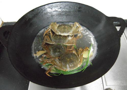 水煮阳澄湖大闸蟹