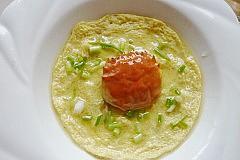 王氏水产蟹蒸蛋做法出锅撒葱花